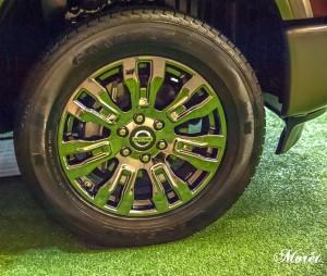 The premium wheels of the 2016 Nissan TITAN XD.