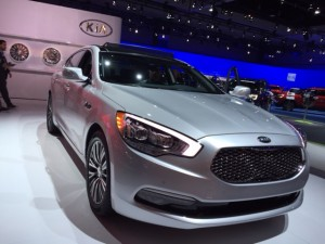 Say hello to the Kia K 900.