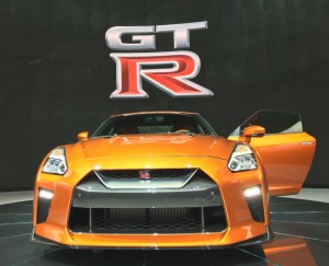 The HOT and super sexy 2017 Nissan GT-R.